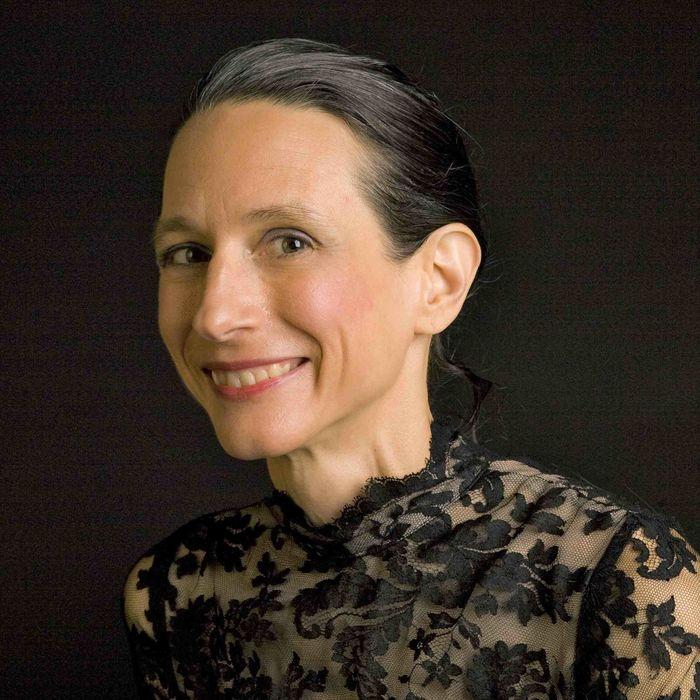 Monika Gross Headshot